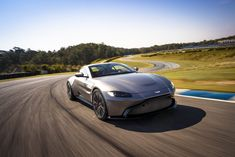 2018 Aston Martin Vantage: silver/gray color reins in the youthful exuberance