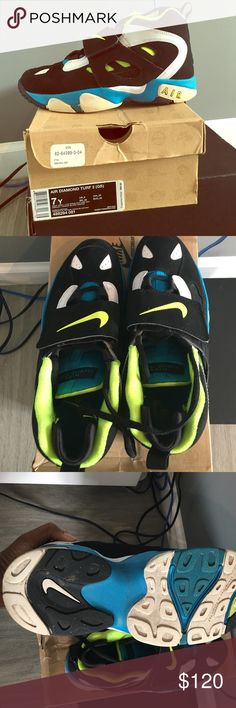Nike Air Diamond Turf 2 Gently worn sneakers, size 7Y so would fit Women's 8.5-9 Nike Shoes Sneakers