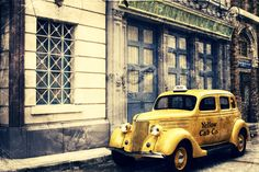 Universal studios old yellow taxi