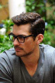 7 Great Hairstyles for Men with a Widows Peak - Hairstyles 2019 Mens Hairstyles Widows Peak, Short Hair Cuts, Short Hair Styles, Widow's Peak, Great Hairstyles, Hairstyles Men, Hairstyle Ideas, David Gandy, Haircuts For Men