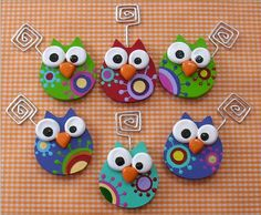 Polymer clay owl paper clips Picture only but it's a cute idea Polymer Clay Owl, Polymer Clay Figures, Polymer Clay Animals, Polymer Clay Projects, Polymer Clay Creations, Polymer Clay Jewelry, Owl Crafts, Clay Crafts, Crafts For Kids