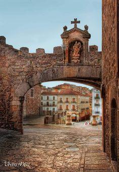 Arco de la Estrella - Cáceres, Spain