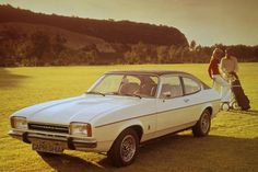  - In May 1974 Ford launched the poshest incarnation of the Mk II Capri, the upscale Ghia. It came with alloy wheels, a vinyl roof, tinted glass and an extra layer of lacquer to make it extra shiny. Bmw Cs, Porsche 911, Ford Capri Rs, Auto Motor Sport, Used Ford, British Bulldog, Commercial Vehicle, Alloy Wheel, Classic Cars