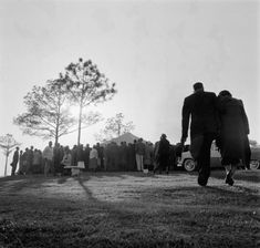 [Article] A Man's Primer on Funeral Etiquette Funeral Photography, Photography Ideas, Funeral Etiquette, Man Of Honour, Emotional Affair, Etiquette And Manners, Human Poses Reference, Art Of Manliness, Good Thoughts