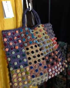 Sophie Digard scarves and Bags in Albert Park. Crochet Art, Crochet Patterns, Fabric Purses, Crochet Purses, Knitting Accessories, Knitted Bags, Purses And Handbags, Crochet Projects, Creations