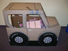 Cardboard Jeep from Widget Worm. Fun for play or a photo op with the kids safari hats on. Jungle Theme Birthday, Jungle Party, Safari Party, Safari Theme, Jungle Safari, Diy Birthday, Cardboard Animals, Cardboard Car, Cardboard Crafts