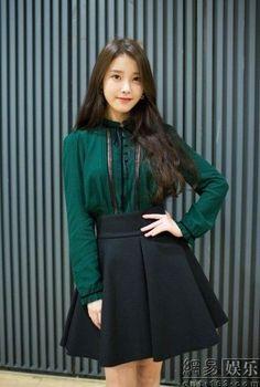 Korean Clothes A Booming Market Iu Fashion, Korean Fashion, Fashion Outfits, Korean Girl, Asian Girl, Chica Cool, Korean Actresses, Korean Celebrities, Korean Outfits