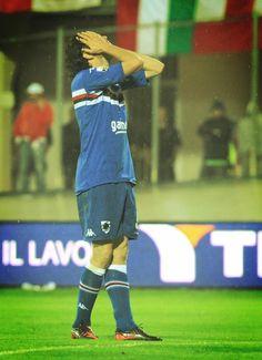@samp_lui  Il gol di Pozzi contro il Varese #Mybestsampmoment2012 @sampdoria