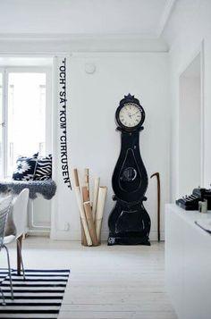 Standuhren, Wandgestaltung, Regal, Inspirierend, Dekoration, Wohnen,  Modernes Skandinavisches Interieur,
