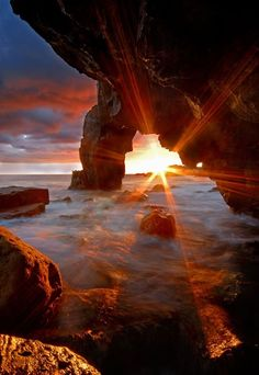 Sunset through the rocks