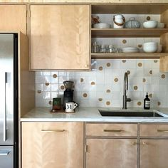 14 Fruit and Vegetable Storage Ideas to Make Your Kitchen a Whole Lot More Organized - The Trending House Cabinet Hardware, Kitchen Cabinets, Small Kitchen, Cabinet, Kitchen Remodel, New Kitchen, Target Home Decor, Large Cabinet, Kitchen Design
