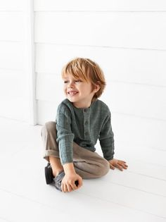 The latest baby boy shirts with short or long sleeves at ZARA online. Toddler Boy Fashion, Fashion Kids, Toddler Boys, Kids Boys, Baby Kids, Toddler Hair, Autumn Fashion, Fashion Outfits, Fashion Trends