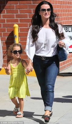 Real Housewives of Beverly Hills star Kyle Richards is already passing on her shady style 2 her youngest -- the pair were spotted in matching sunnies!