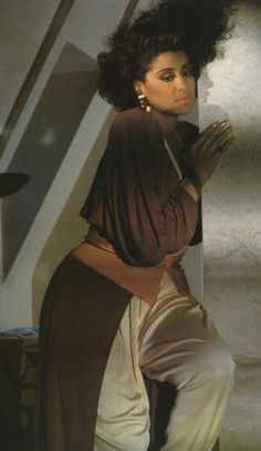 Phyllis Hyman I SUNG WITH HER IN PIEDMONT PARK IN ATLANTA---OK I DIDN'T SING ON STAGE WITH HER BUT I SUNG EVERY SONG SHE SUNG ST THE BOTTOM  OF THE STAGE------------------------
