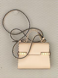 discount handbags outlet b7dp  Temp锚te Micro Calf Souple Nude