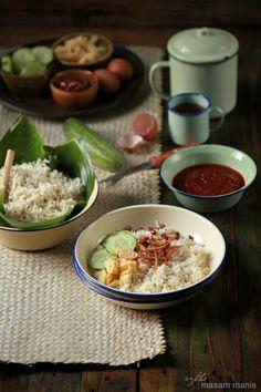 Indonesian Cuisine, Indonesian Food Traditional, Nasi Lemak, Food Photography Tips, Malaysian Food, Food Presentation, Food Plating, Food Design, Street Food