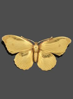 An Aesthetic movement gold butterfly brooch, realistically formed. 7cm wide. #AestheticMovement #brooch