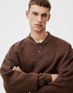 Dessuadora coll bomber - PULL&BEAR Pull & Bear, Men Sweater, Sweaters, Mens Tops, T Shirt, Fashion Design, Supreme T Shirt, Tee Shirt, Men's Knits