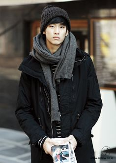 if a guy wore this, he'd be so cute c: ((kim soo hyun is a babe))