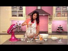 LAS CLARAS DE TRES HUEVOS!! Receta de los macarons y como hacer un cupcake del monstruo de las galletas. espero que os ayude