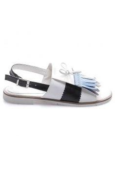 Shoes Time Beyaz Siyah Kadın Sandalet 16Y 601 https://modasto.com/shoes-ve-time/kadin-ayakkabi-sandalet/br2318ct19