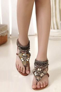 ugly feet but cute sandle.Bohemian Styles Brown PU Upper Flat Heels Women Sandals with Rhinestones Tan Sandals Heels, Cute Sandals, Flats, Leather Sandals, Women Sandals, Bohemian Sandals, Boho Shoes, Vintage Hipster, Rodeo Boots