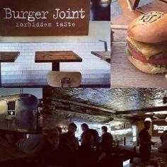 Råeste #gastropuben i #oslo. Sjekk ut @burgerjointakerbrygge #burgerjoint #gjenbruksmaterialer #elskerdet #påbestilling #håndlagetavoss #barefordeg #drivved #drivvedland Burger Joint, Around The Worlds, Photo And Video, Instagram