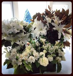Hard to go past white and green in arrangements
