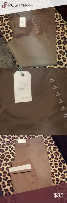 **NEW** Maurices Jeggings Brand New Denim Flex Dark Olive Color Size 18 Maurices Pants
