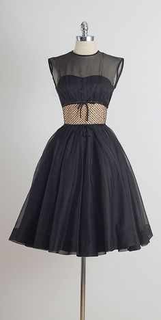 Evening Arrival . vintage 1950s dress . by millstreetvintage