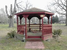 1/9/13, Gazebo, post Christmas.  I've spent many a lunch hour reading here.  It's a bit of an oasis.