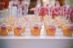 ericavighi fotografia: Aniversário da Amanda: Cupcake party!! Cupcake Party, Wedding Cupcakes, Mini Cupcakes, Cupcake Ideas, Breakfast, Desserts, Parties, Party Ideas, Sugar