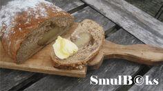 Dadelbrood met walnoten en amandelspijs #amandelspijs #brood #krentenbrood