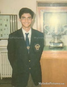 Young Sourav Ganguly Childhood Old Unseen Photo,