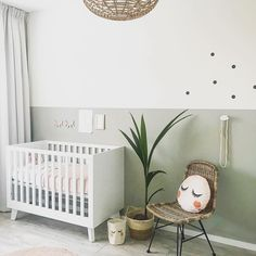 Sweet and simple baby nursery. The gender neutral, clean and modern feel is love Sweet and simple baby nursery. The gender neutral, clean and modern feel is love. - - Sweet and simple baby nurse Baby Room Boy, Baby Bedroom, Baby Room Decor, Nursery Room, Kids Bedroom, Nursery Decor, Kids Rooms, Baby Room Green, Pink Green Nursery
