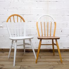 Dining Chair Makeover, Furniture Makeover, Cool Furniture, Painted Furniture, Furniture Design, Chalk Paint Chairs, Painted Chairs, Ercol Dining Chairs, Chaise Diy