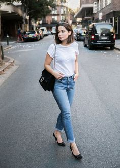 Back to Basics: How to Style A Plain White Tee // New York Girl Style » http://www.newyorkgirlstyle.com/2016/08/01/back-to-basics-how-to-style-a-plain-white-tee/