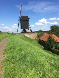 9 augustus 2017 - Kasteel Ammersoyen uit 1300 (gerestaureerd in 17e, 19e en 20e eeuw) en Heusden-Vesting (prachtig gerestaureerd in de jaren '70).