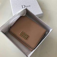 122303,Dior Wallet