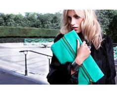 36 Oversized Envelope Clutches - From Darling Dip-Dyed Purses to Phantasm Paper Pouches
