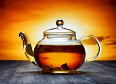 Tea is another multipurpose item, and can be a great item to use when cleaning your bathroom. Home Helpers, Bathroom Cleaning Hacks, Cleaning Tips, Cold Hard Cash, How To Clean Mirrors, Beach Friends, Tea Companies, Best Tea, Tea Blends