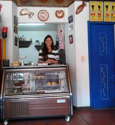 Caramelo – Coffee Shop That Tantalizes the Taste Buds My Coffee, Coffee Shop, Taste Buds, Etiquette, Ea, Desserts, Shopping, Home Decor, Candy