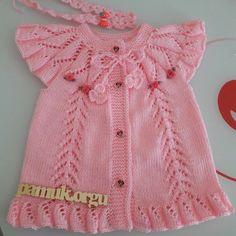 Making crochet vest models – The Best Ideas Baby Cardigan Knitting Pattern Free, Vest Pattern, Baby Knitting Patterns, Baby Dress Patterns, Lace Patterns, Knit Baby Dress, Baby Girl Crochet, Sweaters For Women, Kids Fashion