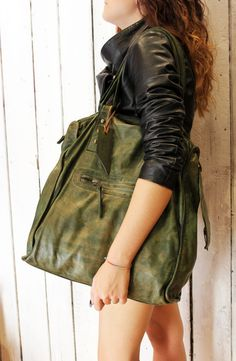 LA SELLERIE SHOPPER, Handmade vintage green Italian Leather Tote Bag di LaSellerieLimited su Etsy