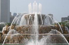Buckingham Fountain – Chicago, Illinois Chicago is always good! The Places Youll Go, Great Places, Places To See, Beautiful Places, Buckingham Fountain, Chicago Travel, Chicago Trip, Famous Places, Famous Landmarks