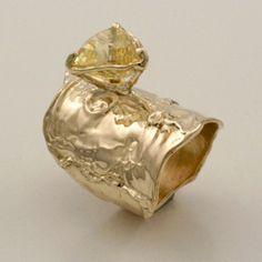 JIM COTTER-USA - 14 Karat Yellow Gold Ring with Yellow Sapphire