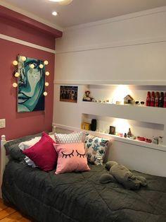 Teen bedroom ideas - chic bedroom decorating ideas for teen girls. Small Room Bedroom, Room Decor Bedroom, Bedroom Ideas, Diy Bedroom, Bedroom Red, Bedroom Designs, Small Rooms, Master Bedroom, Dream Rooms