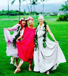 Sia at Kate Pierson and Monica's wedding  ● ○ #sia #siafurler #siaisqueen #siafurlermusic #queensia #love #like4like #likeforlike #insta #beauty #music #likes #favorite #voice #beautiful #loveher #queen