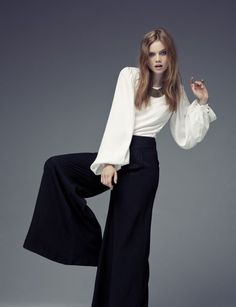 Blanco & Negro Types Of Trousers, Wide Trousers, Fashion Poses, Hijab Fashion, Women's Fashion, Female Fashion, Classy Outfits, Casual Outfits, Outfits Pantalon Negro