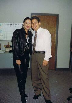Selena Quintanilla Perez, Suzette Quintanilla, Selena Pictures, Selena Pics, Selena And Chris, Flo Rida, American Singers, Timeless Fashion, Role Models